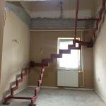 základ pre interiérové schody na mieru