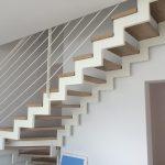 interiérové schody s kovovým zábradlím na mieru