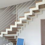 interiérové schody s kovovým zábradlím na zákazku