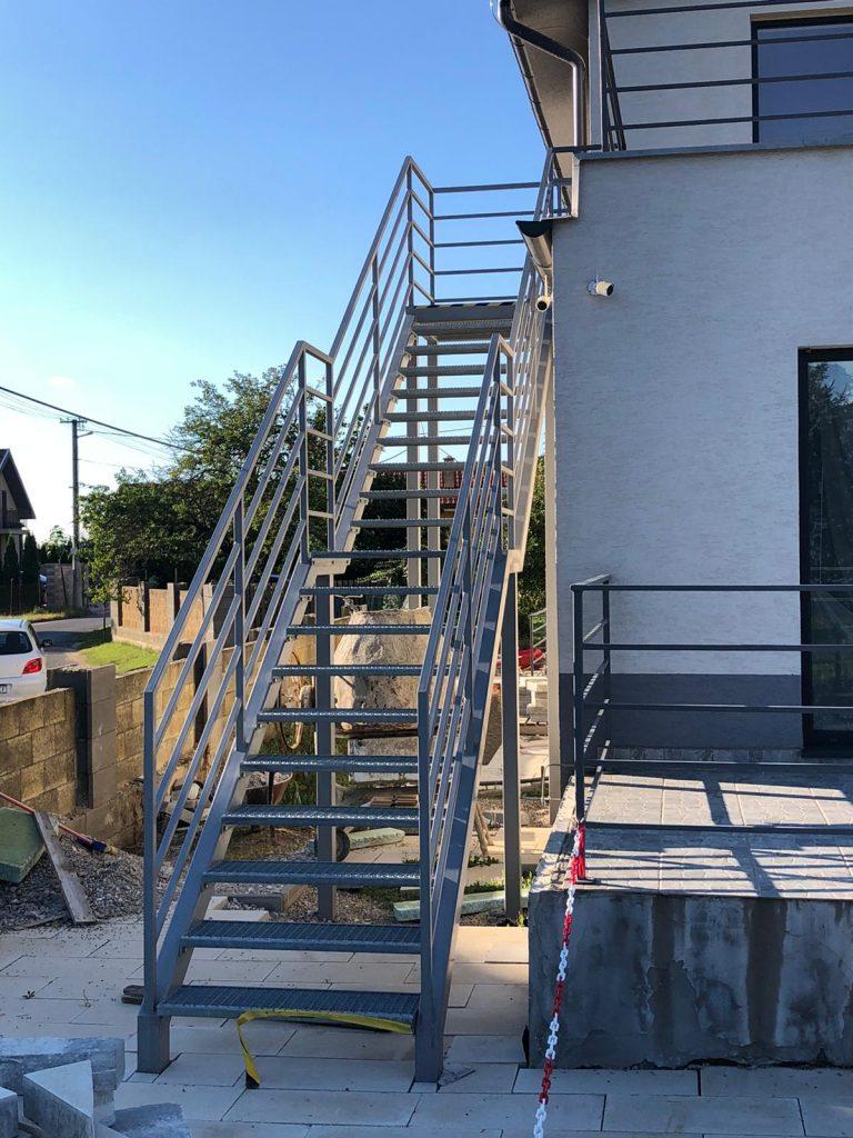 jednoduché a originálne schody na mieru v exteriéri