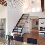 dizajnové interiérové schody na mieru so skleneným zábradlím Levice